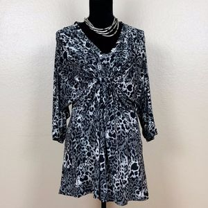 Empress Ladies Blouse. Very Stretchy & Comfortable